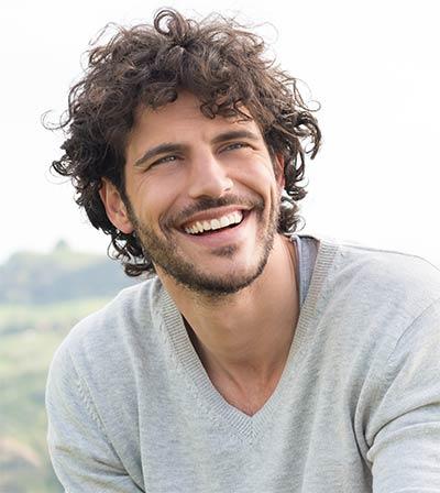 midwestern-aligner-orthodontics-man-smiling